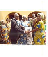 (INSET) APSTLE APENUVOR PRESENTING THE ITEMS ON BEHALF OF HO AREA